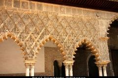 Detail paleis Reales Sevilla Andalusië met kinderen