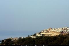 Geweldig uitzicht over Nerja Andalusië met kinderen