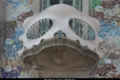 Balkon casa Battlo Barcelona met kinderen
