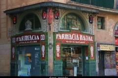 Gave gevels Barcelona met kinderen
