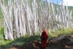 Gebedsvlaggen Bhutan met kinderen