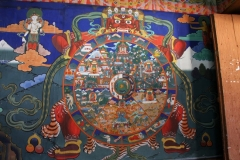 Thangka Faro dzong Bhutan met kinderen