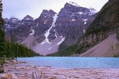 Absurd mooi lake Morraine Canada met kinderen