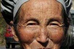 Authentieke chinese prachtige vrouw Beijing met kinderen