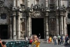Havanna krijgt bezoek van spongebob Cuba met kinderen