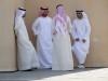 Hang jongeren Dubai met kinderen
