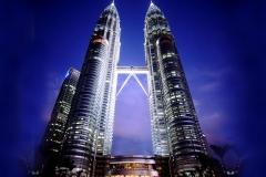 Petronas Twin Towers Kuala Lumpur met kinderen