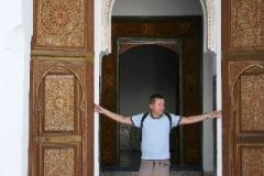 Klein manneke Marokko met kinderen