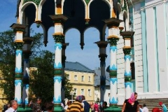 Heilig water in Sergiev Posad Moskou met kinderen