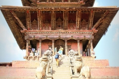 Bhaktapur tempel met kids