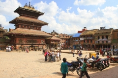 Plein Bhaktapur Nepal met kinderen