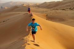 Adembenemend Wahibi Sands Oman met kinderen