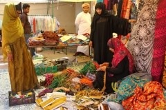 Ibi vrouwen souk Oman met kinderen
