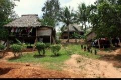 Embera indianen dorpje Panama met kinderen