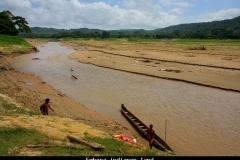 Embera indianen land Panama met kinderen