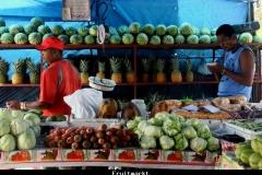 Fruitmarkt Panamastad Panama met kinderen