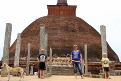 Anuradhapura Sri Lanka met kinderen