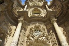 Gevel Kathedraal Valencia met kinderen