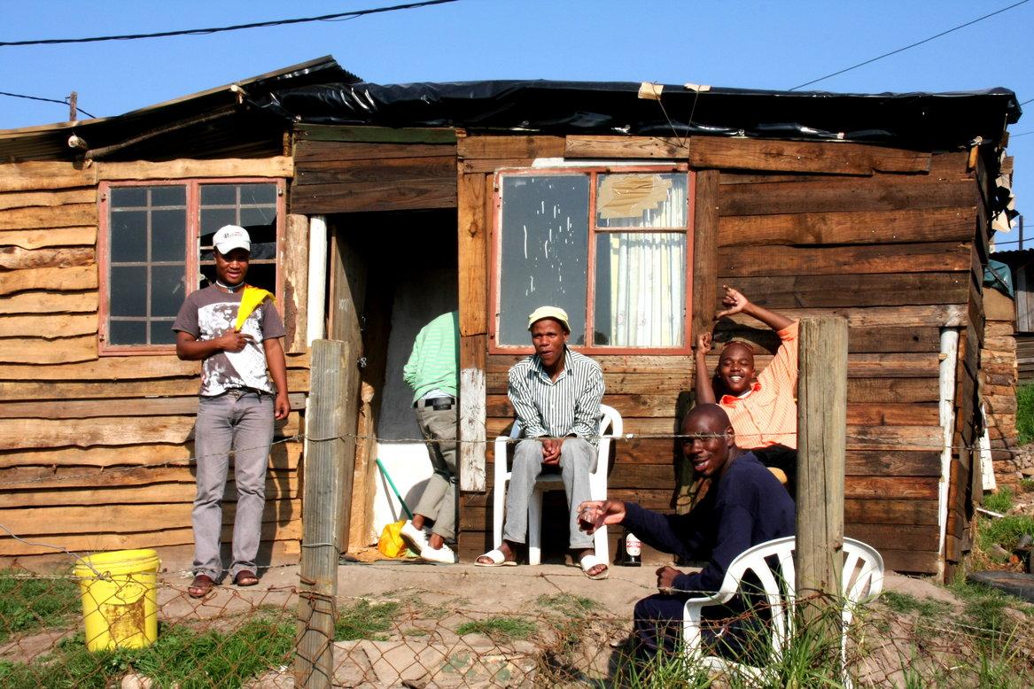 Township Zuid Afrika met kinderen