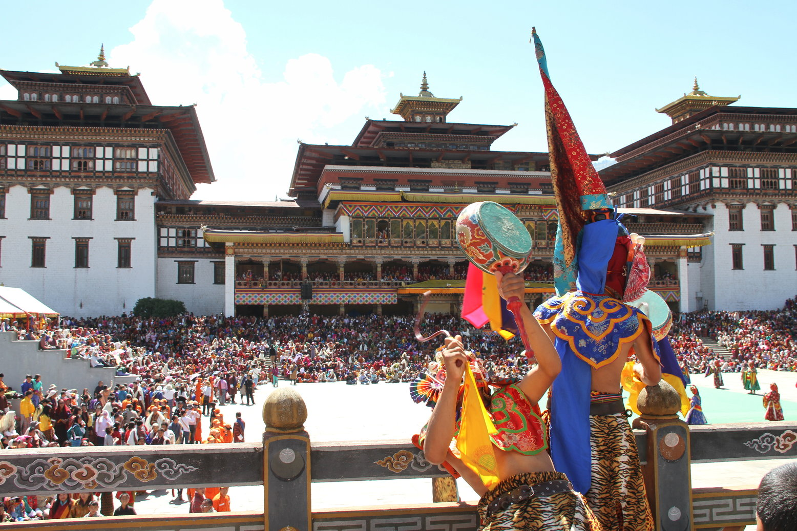 Tsechu Thimphu Bhutan met kinderen