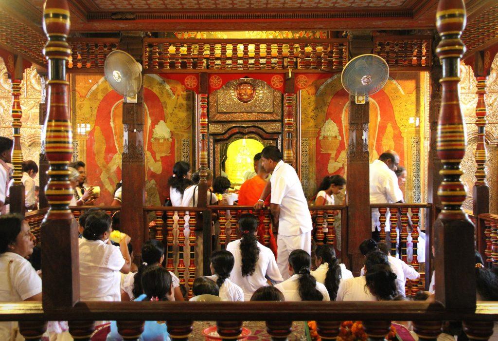 Kandi Sri Lanka met kinderen