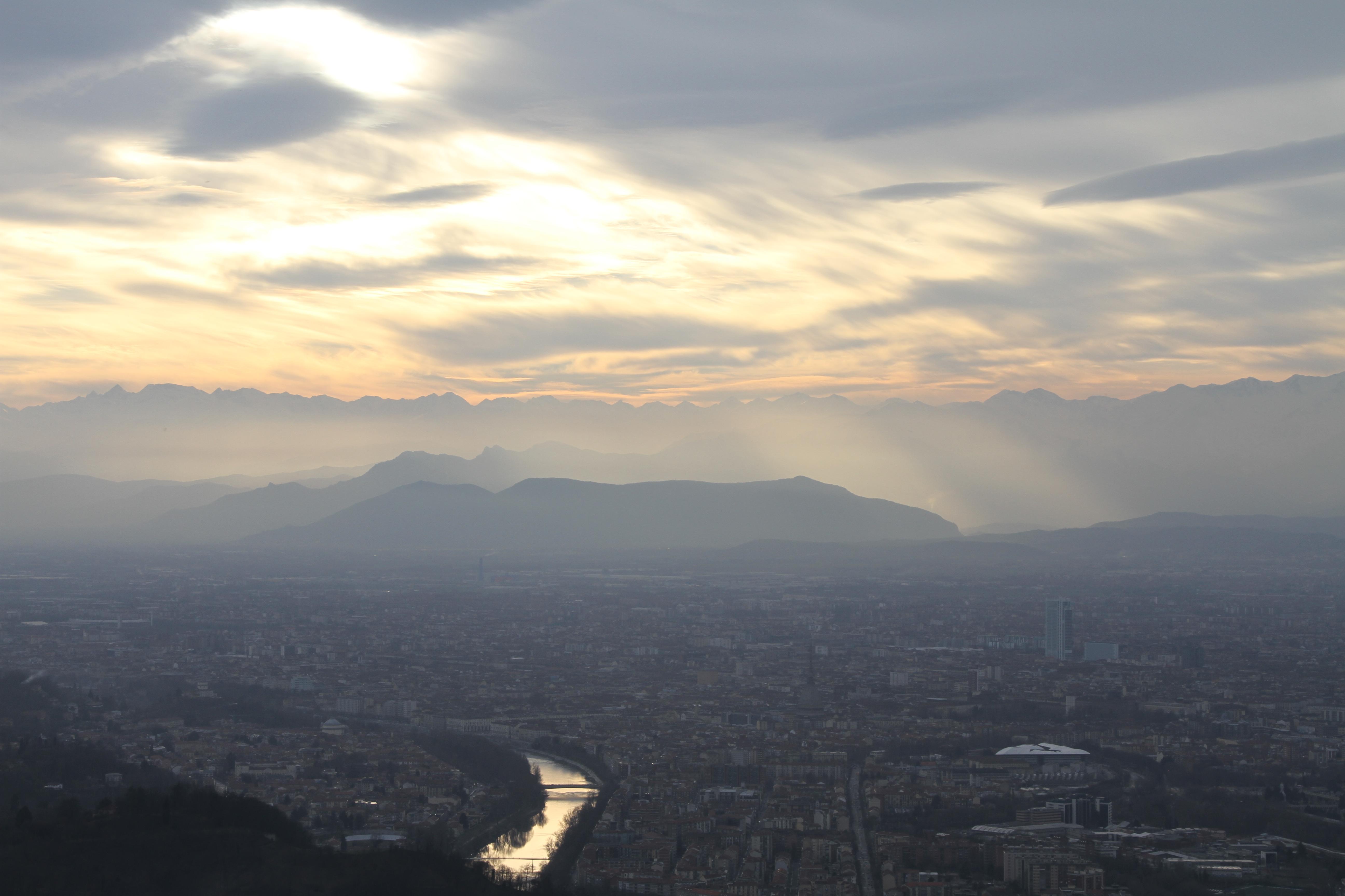 Uitzicht vanaf Basilica di Superga Turijn met kids