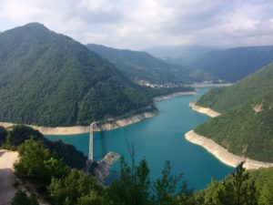 Montenegro met kinderen raften