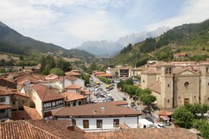 Potes Picos de Europe in Cantabrie Spanje met kids
