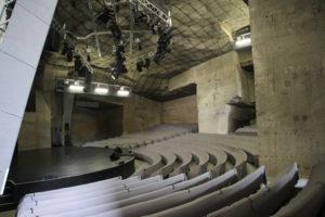 Fertorakos Hongarije met kinderen theater in steengroeve