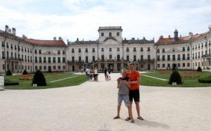 Esterhazy paleis Fertod Hongarije met kinderen