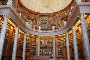 Pannonhalma klooster bibliotheek Hongarije met kinderen