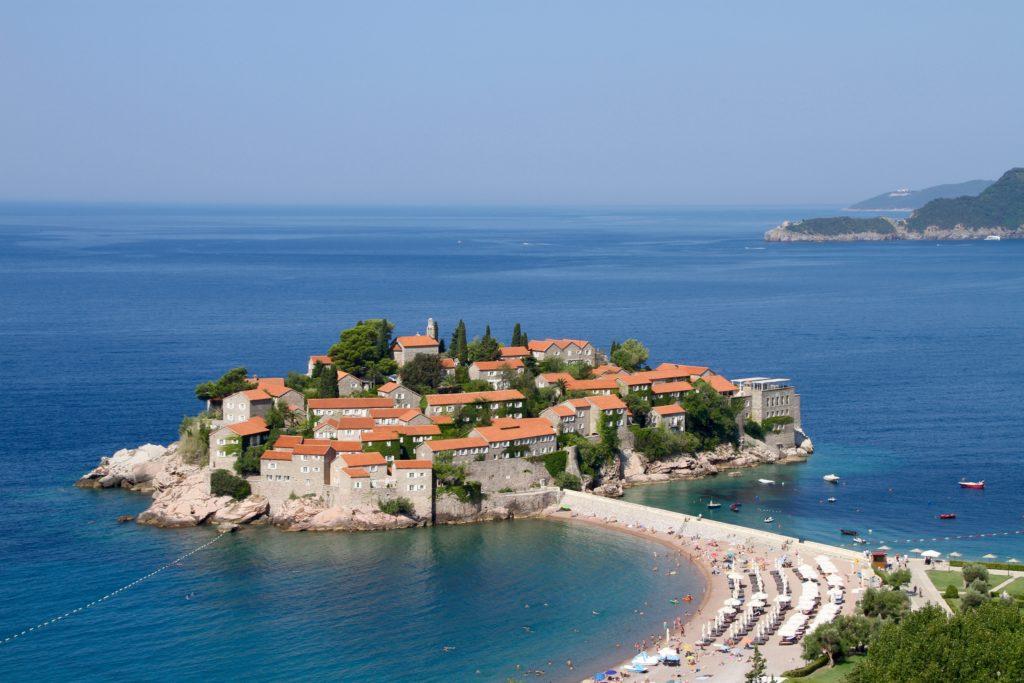 Sveti Stefan Adriatische zee Montenegro met kinderen