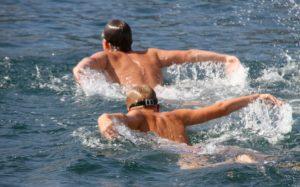 Waterpolo nationale sport Montenegro met kinderen