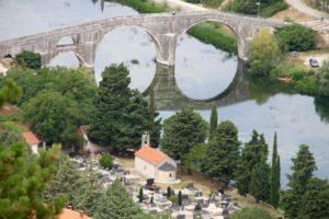 Trebinje Bosnië Herzegovina met kinderen