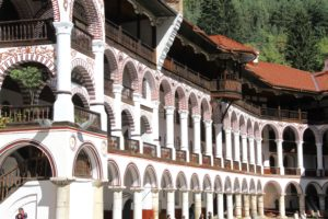 Rila klooster Sofia Bulgarije met kinderen
