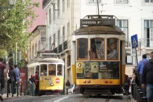 Tram 28 Lissabon met kinderen